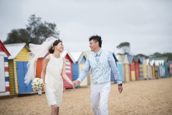 wedding couple on Brighton Beach